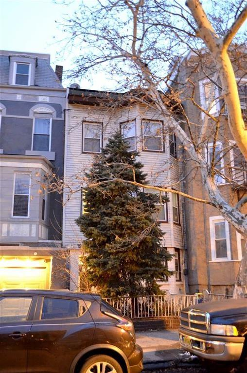 146 Bowers St, Jc, Heights, NJ 07307 (MLS #180013692) :: Marie Gomer Group
