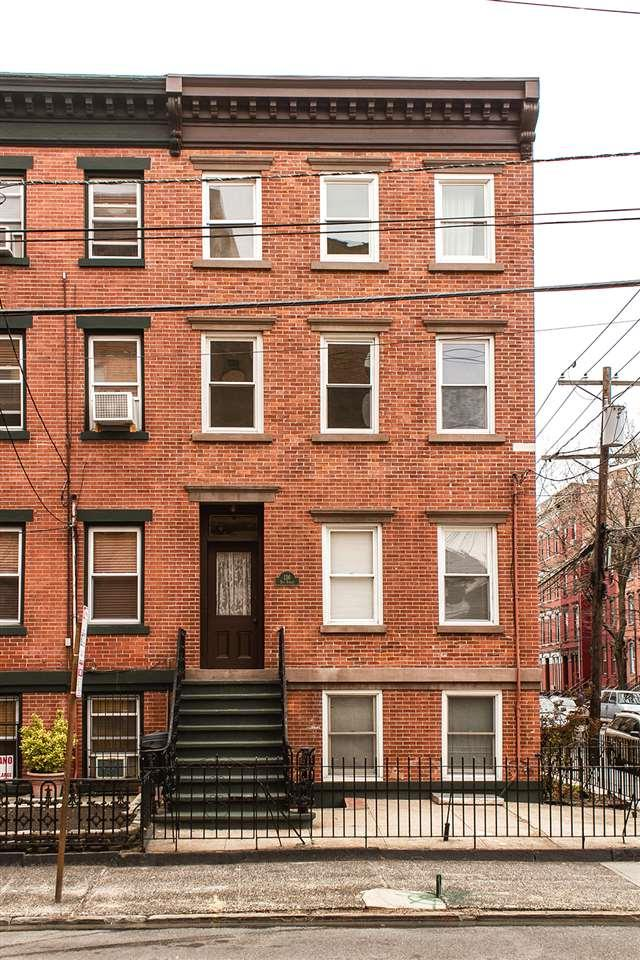 136 Erie St, Jc, Downtown, NJ 07302 (MLS #180017000) :: The Trompeter Group