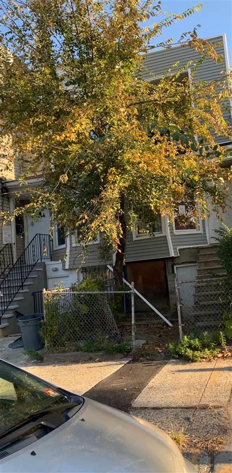 112 Orient Ave, Jc, Bergen-Lafayett, NJ 07305 (MLS #180021806) :: The Trompeter Group