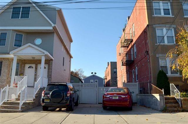 100 West 50Th St, Bayonne, NJ 07002 (#180023167) :: Group BK