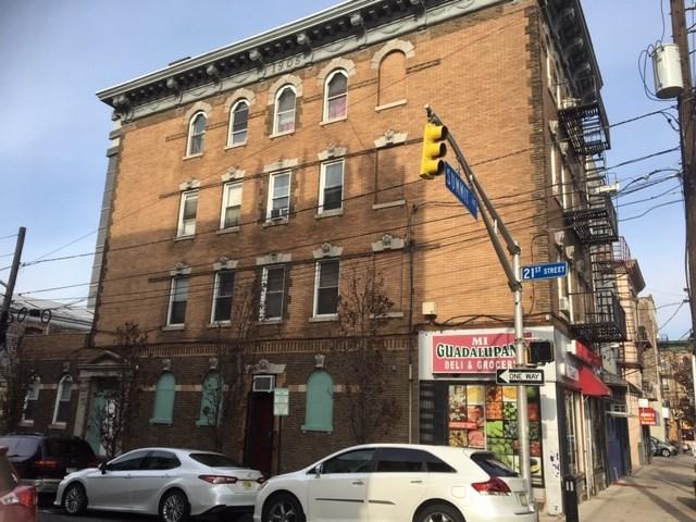 806 21ST ST, Union City, NJ 07087 (#180023308) :: Group BK