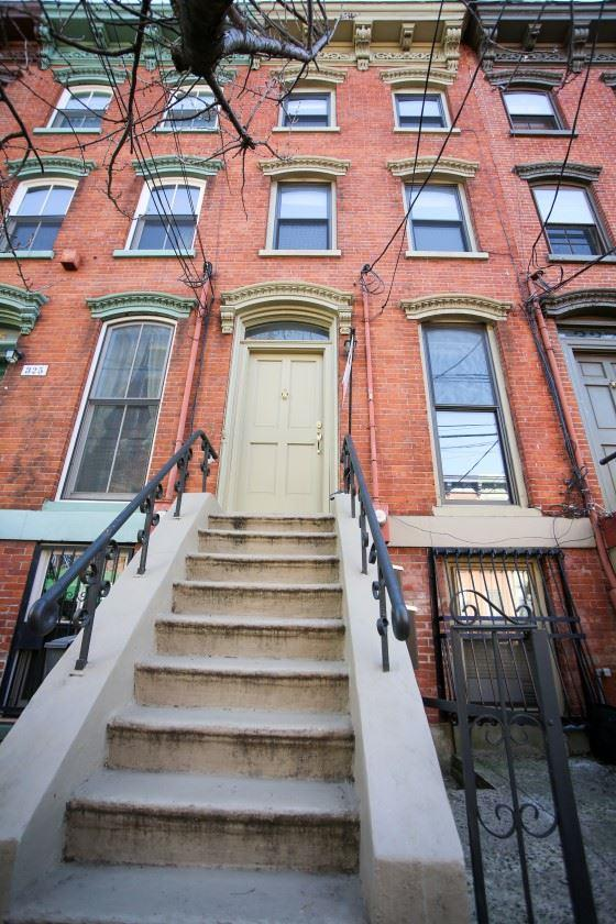 325.5 8TH ST #1, Jc, Downtown, NJ 07302 (MLS #180023462) :: The Trompeter Group