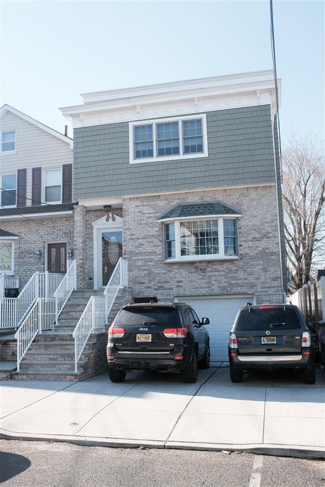 16 East 44Th St, Bayonne, NJ 07002 (MLS #190007789) :: PRIME Real Estate Group