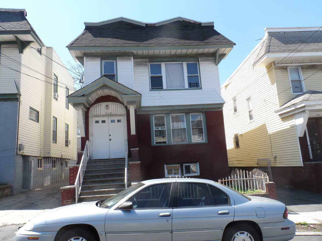 719 18TH AVE - Photo 1