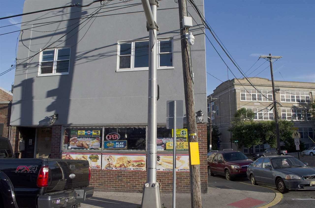 6245 John F Kennedy Blvd - Photo 1