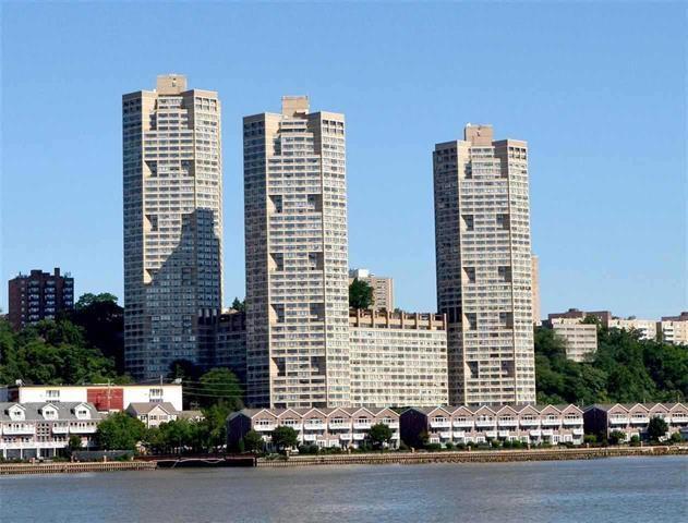 7000 Blvd East 41J, Guttenberg, NJ 07093 (MLS #190010936) :: The Trompeter Group