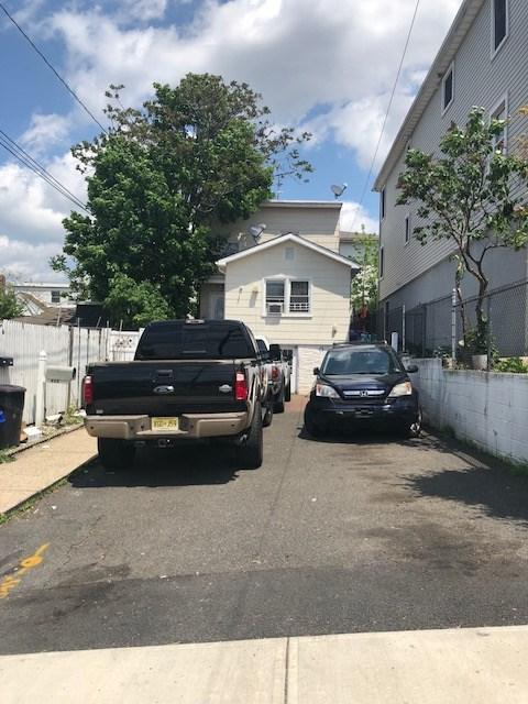 445 Cliff St, Fairview, NJ 07022 (MLS #190013652) :: The Trompeter Group