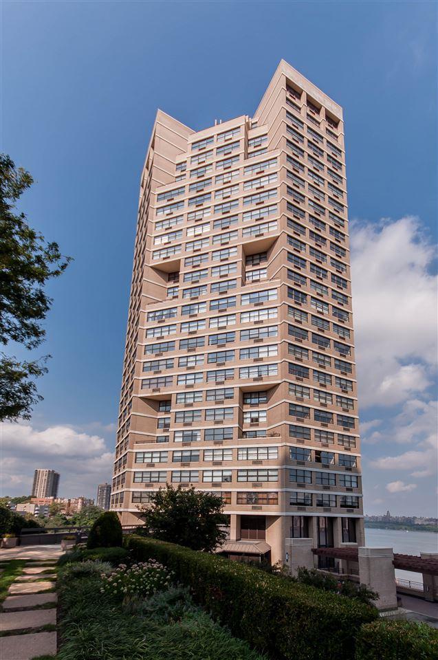 7000 Blvd East 22J, Guttenberg, NJ 07093 (MLS #190014164) :: Team Francesco/Christie's International Real Estate