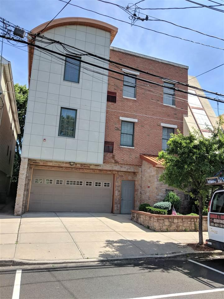 75 East 23Rd St - Photo 1