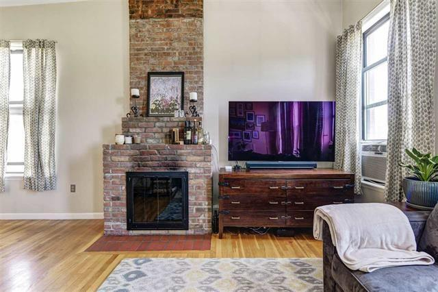 295 Monmouth St D, Jc, Downtown, NJ 07302 (MLS #190014489) :: The Trompeter Group