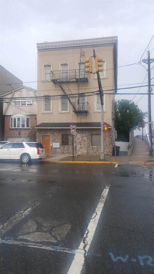 424 Avenue E #2, Bayonne, NJ 07002 (MLS #190018794) :: The Dekanski Home Selling Team