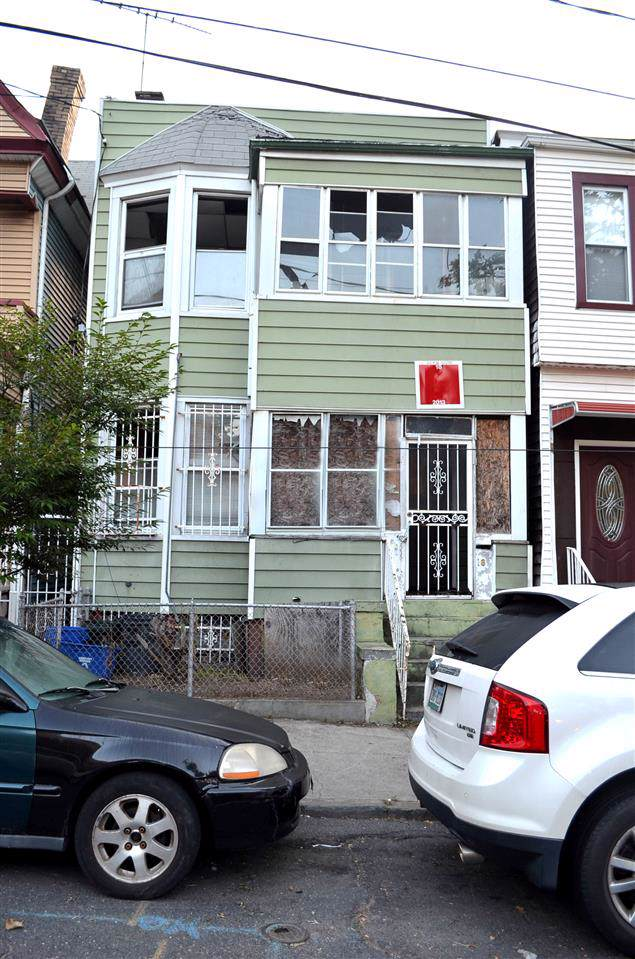 18 Mcdougal St, Jc, Bergen-Lafayett, NJ 07304 (#190020703) :: Proper Estates