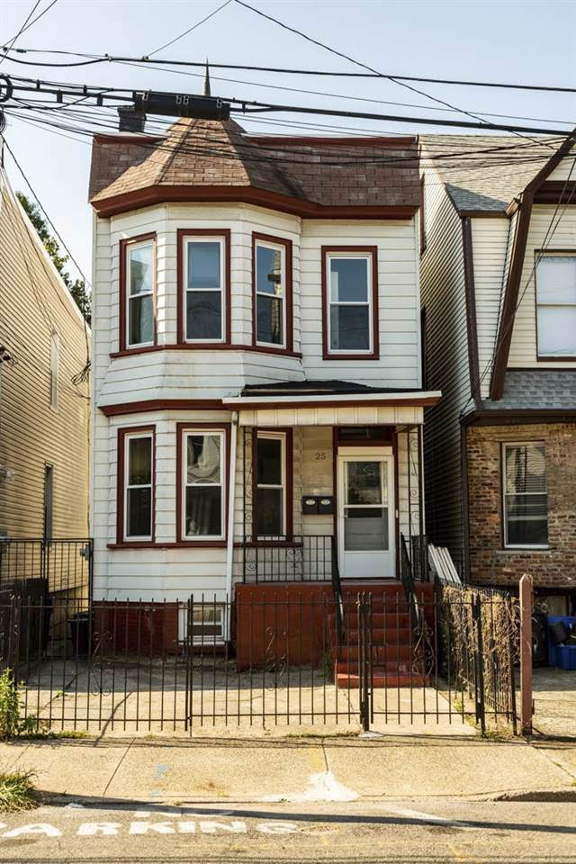 25 Gautier Ave, Jc, Journal Square, NJ 07306 (MLS #190021831) :: The Trompeter Group