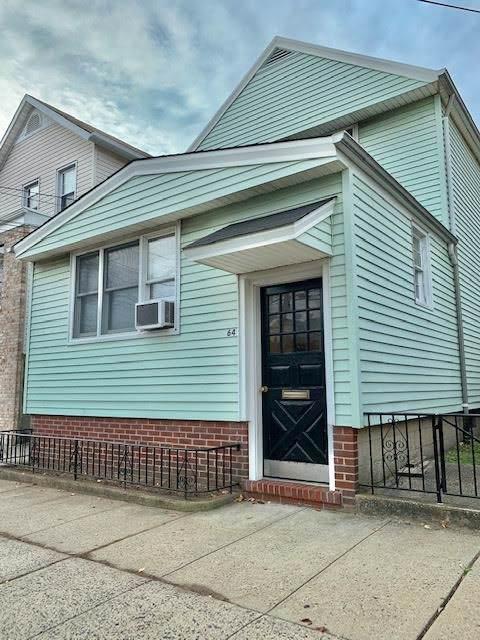64 Linnet St, Bayonne, NJ 07002 (MLS #190022410) :: The Sikora Group