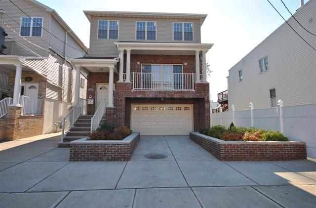 64 East 5Th St #2, Bayonne, NJ 07002 (MLS #190023354) :: Hudson Dwellings