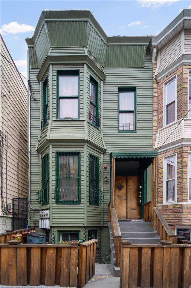 1404 Bergenline Ave, Union City, NJ 07087 (MLS #190023446) :: The Dekanski Home Selling Team