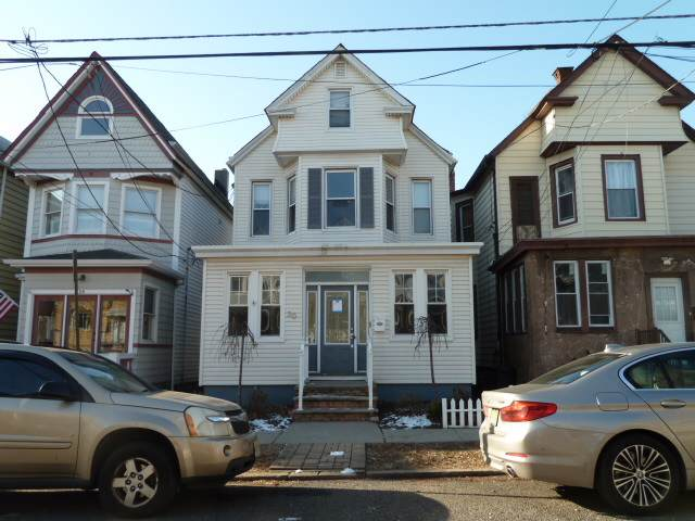 30 West 44Th St, Bayonne, NJ 07002 (MLS #202001476) :: The Trompeter Group