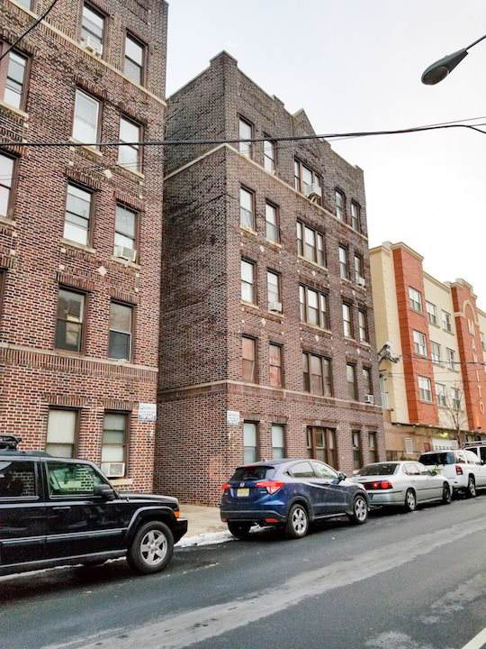 315 56TH ST A2, West New York, NJ 07093 (MLS #202001569) :: The Trompeter Group