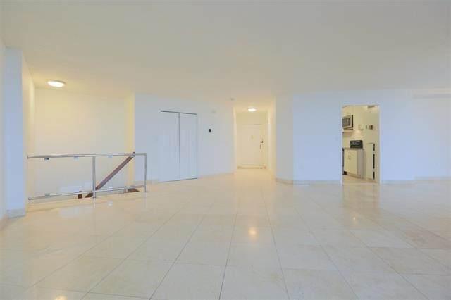 831 Harmon Cove Tower, Secaucus, NJ 07094 (MLS #202005363) :: The Dekanski Home Selling Team