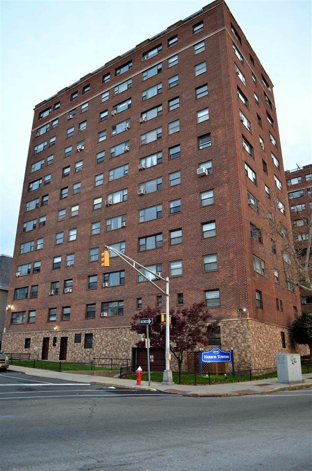 6515 Blvd East 8R, West New York, NJ 07093 (MLS #202005491) :: The Trompeter Group