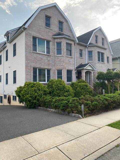 421 Centre St, Nutley, NJ 07110 (MLS #202009893) :: The Sikora Group