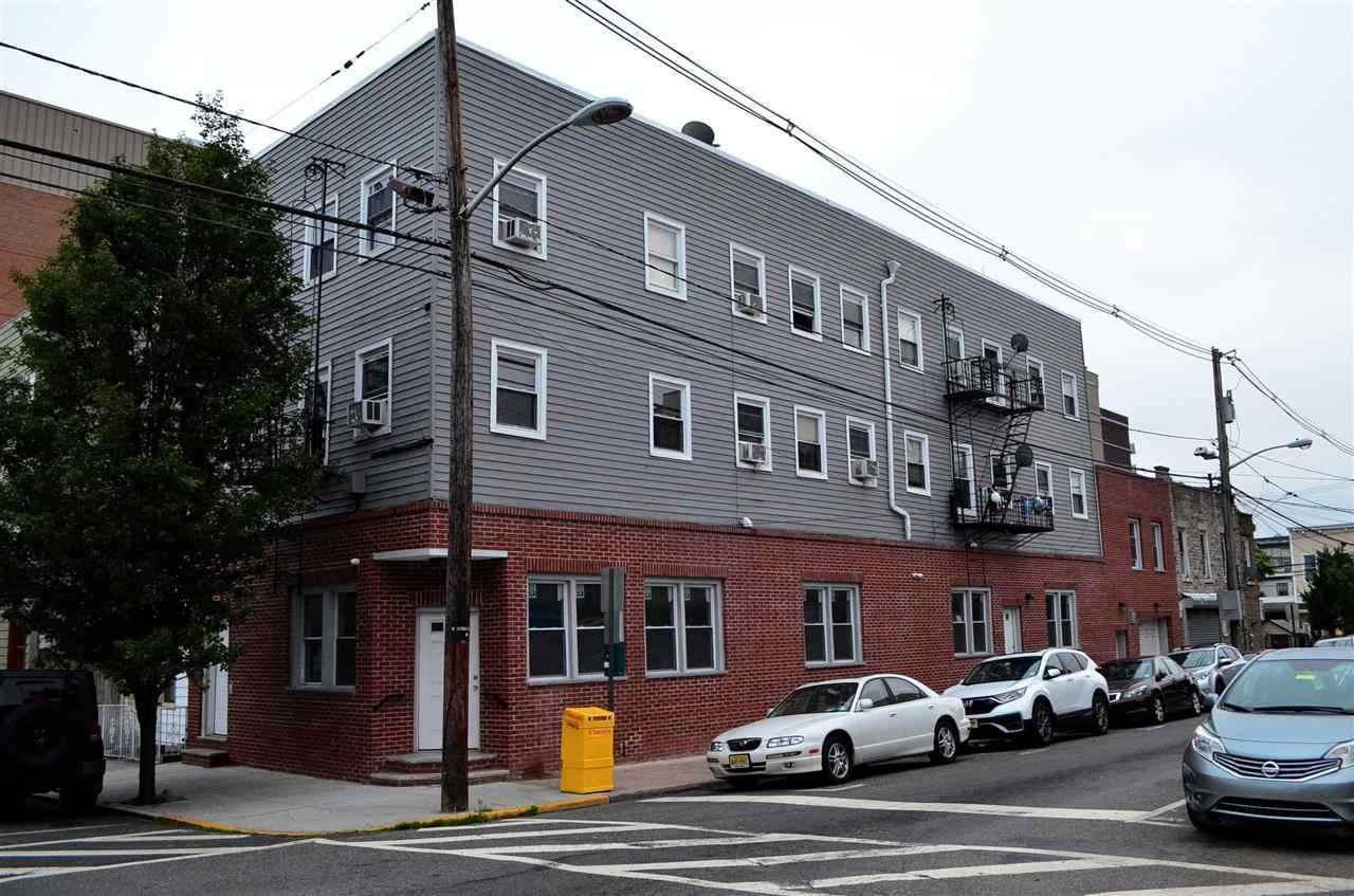 4310 Hudson Ave - Photo 1