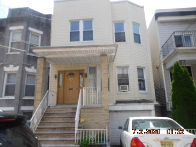 31 48TH ST, Weehawken, NJ 07086 (MLS #202016316) :: RE/MAX Select