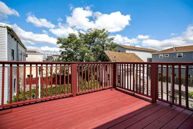21 1/2 Pierce Ave, Jc, Heights, NJ 07307 (MLS #202016452) :: The Premier Group NJ @ Re/Max Central