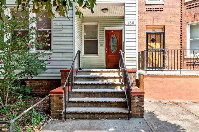 160 Van Nostrand Ave - Photo 1