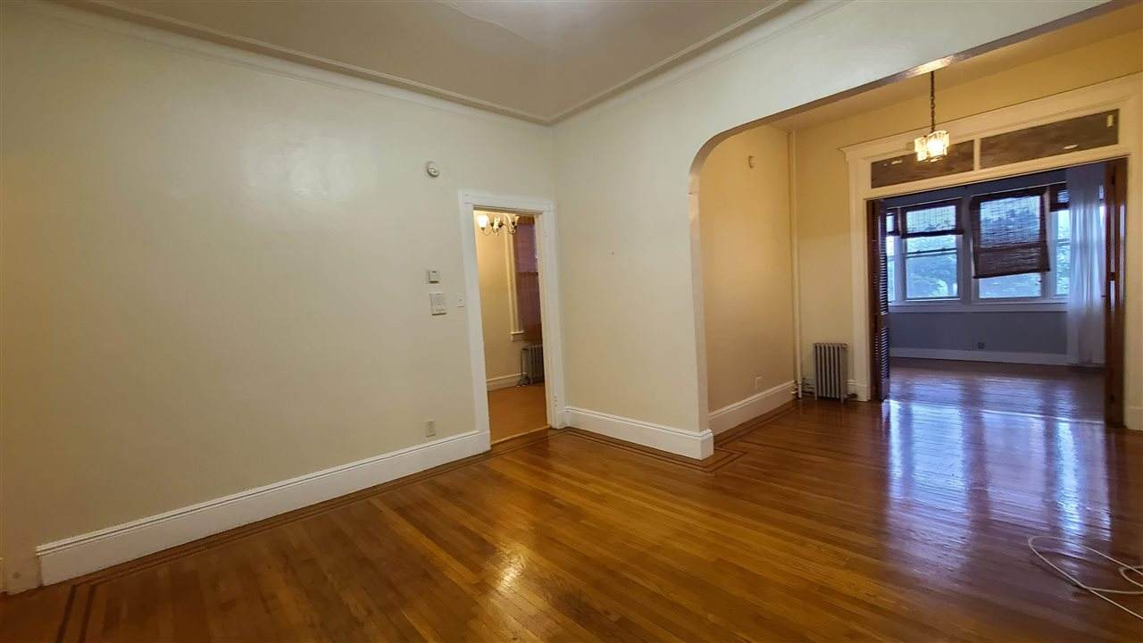 432 Gregory Ave - Photo 1