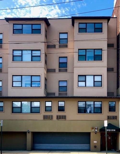 312 Madison St - Photo 1