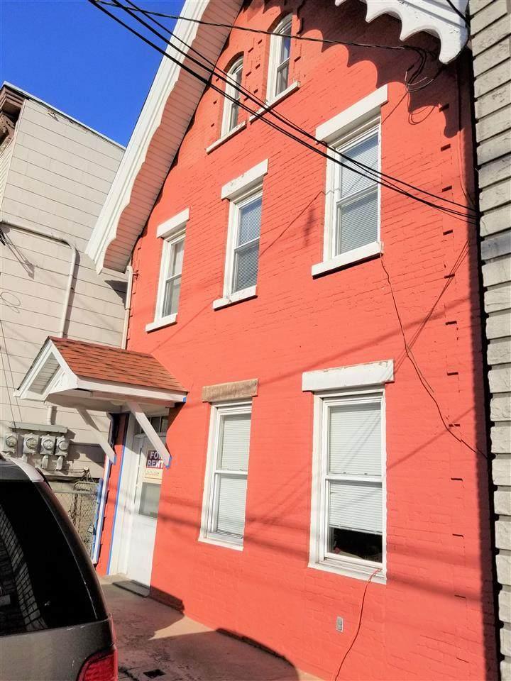 140 Hancock Ave - Photo 1
