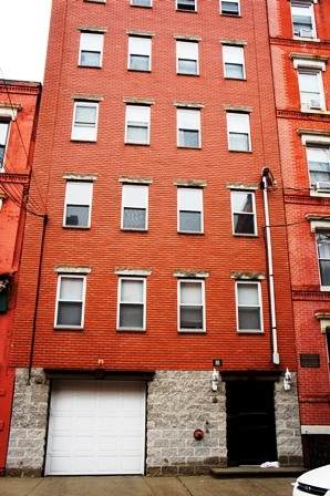 131 Clinton St - Photo 1