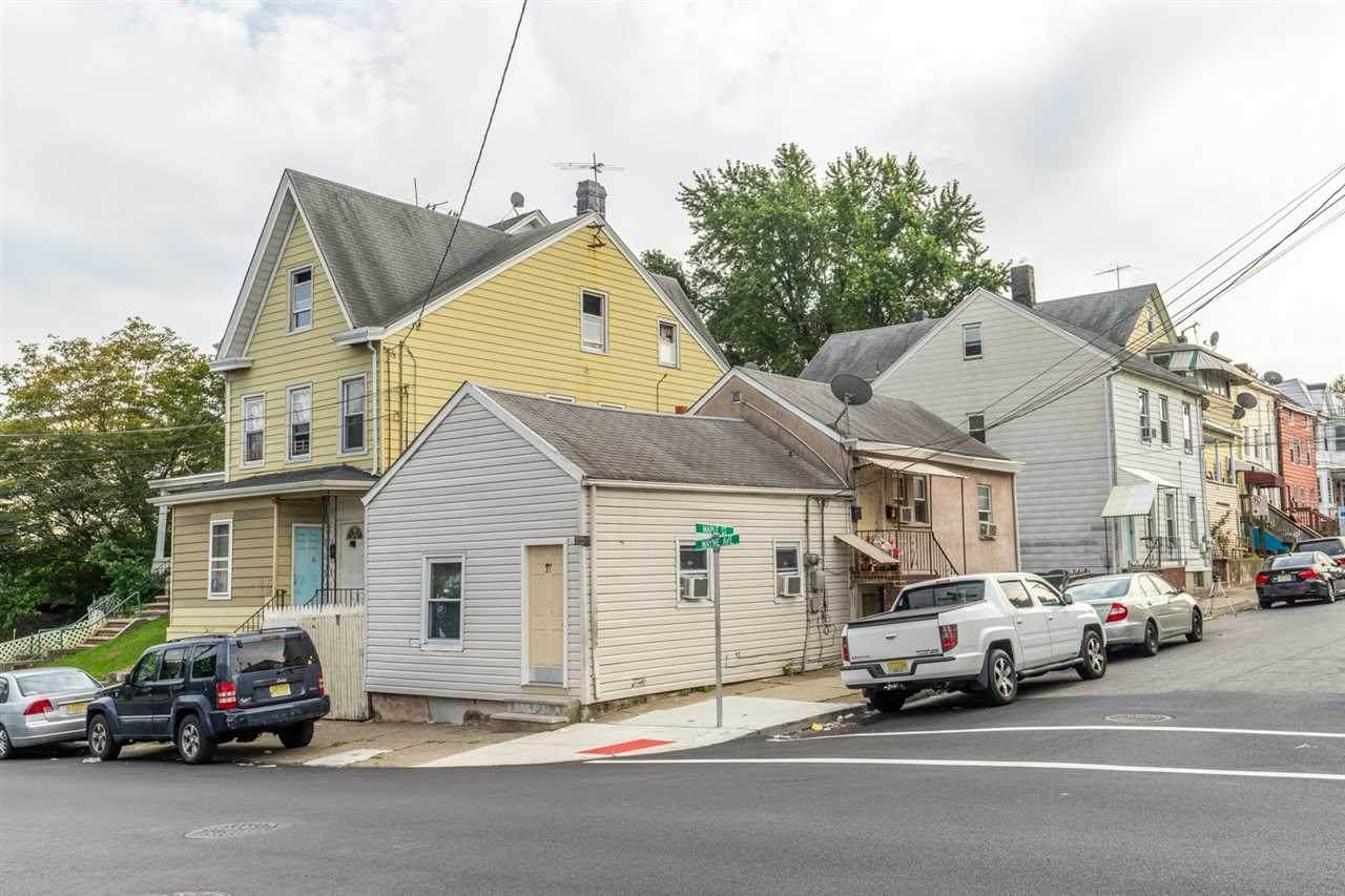 29-31 Wayne Ave - Photo 1