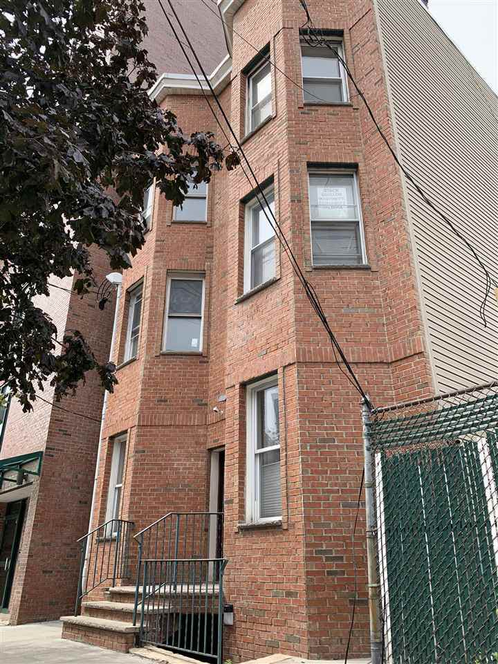 609 New York Ave - Photo 1