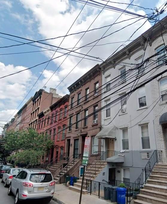 905 Park Ave - Photo 1