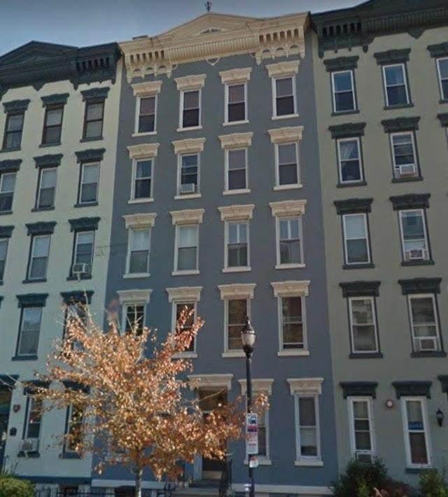 1105 Washington St - Photo 1
