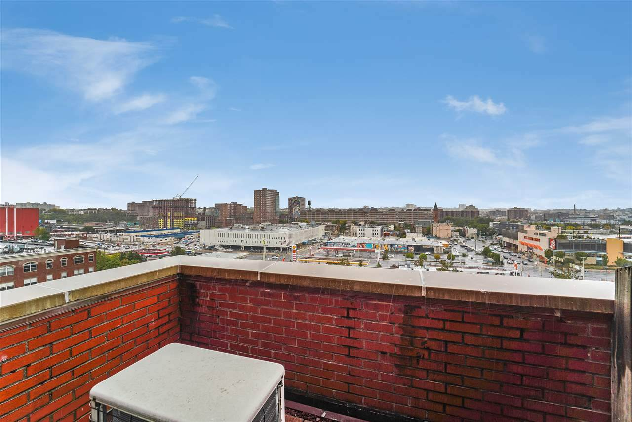 205 10TH ST - Photo 1