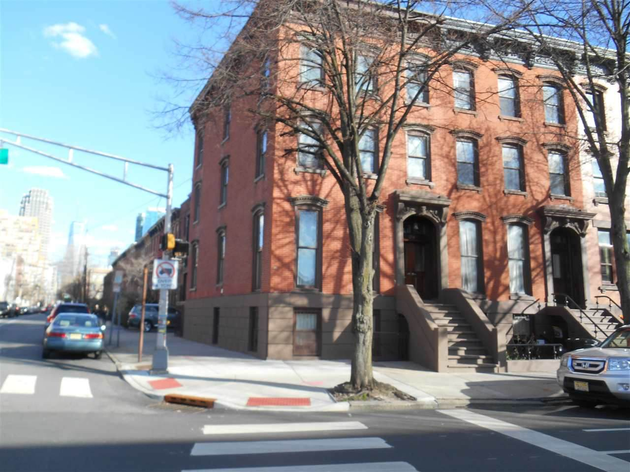 254 Grove St - Photo 1
