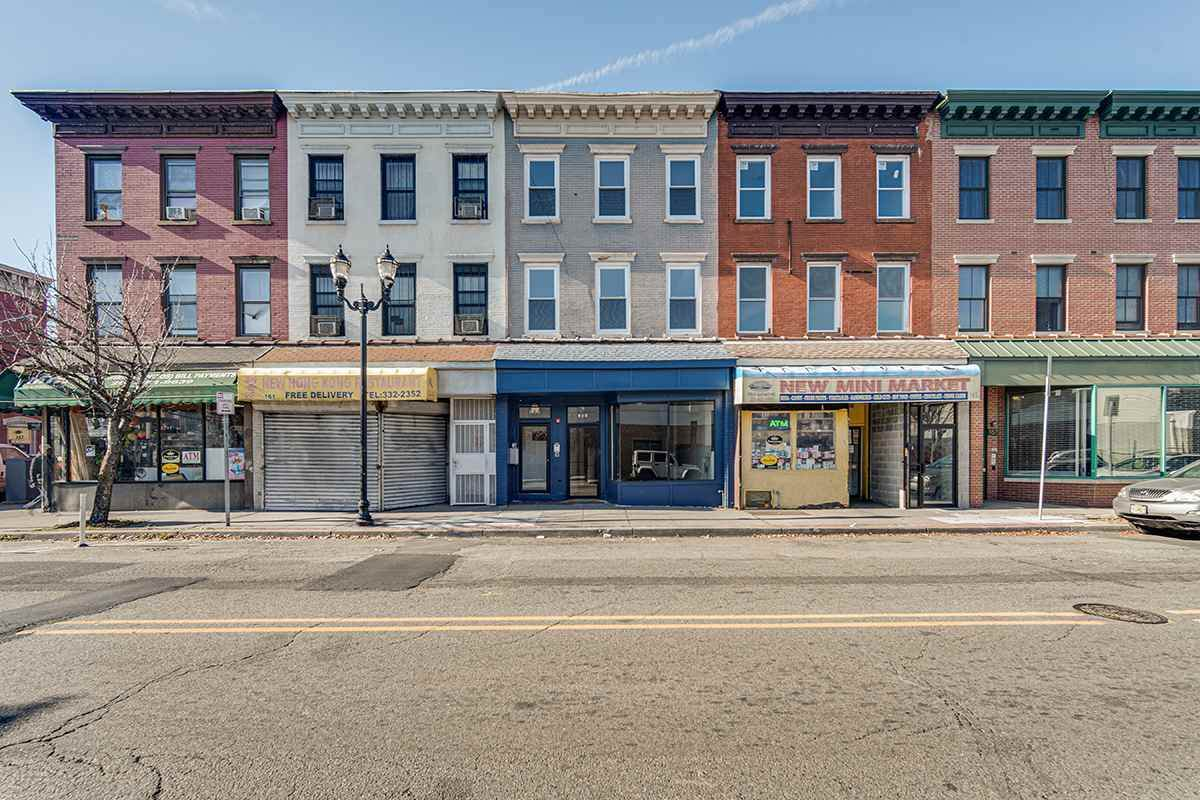 163 Monticello Ave - Photo 1