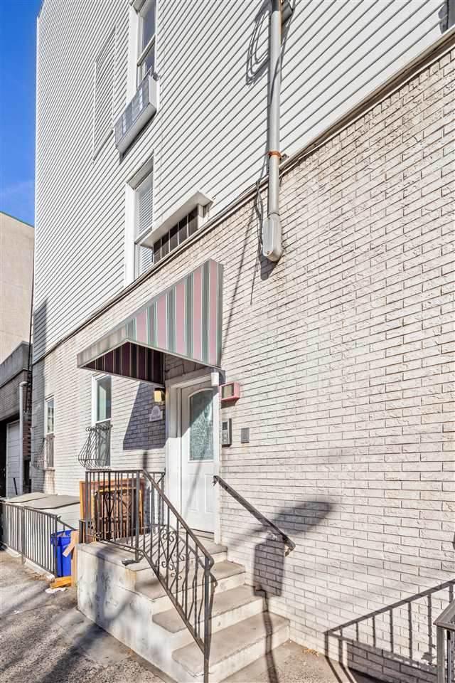 504 4TH ST #1, Hoboken, NJ 07030 (MLS #202027165) :: The Trompeter Group