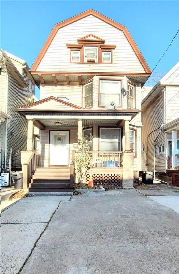 146 Jewett Ave, Jc, Journal Square, NJ 07304 (MLS #202027718) :: The Ngai Group