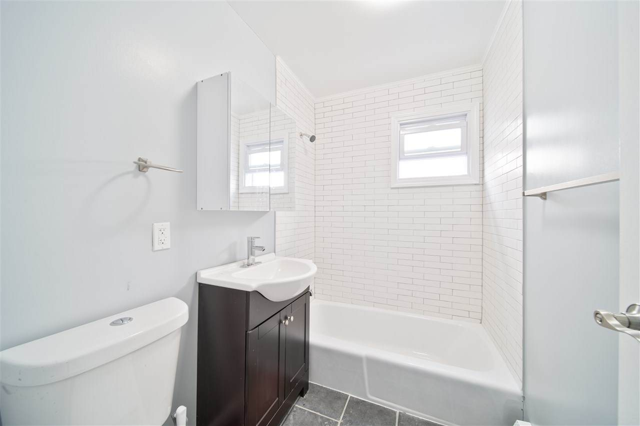 306 5TH ST - Photo 1