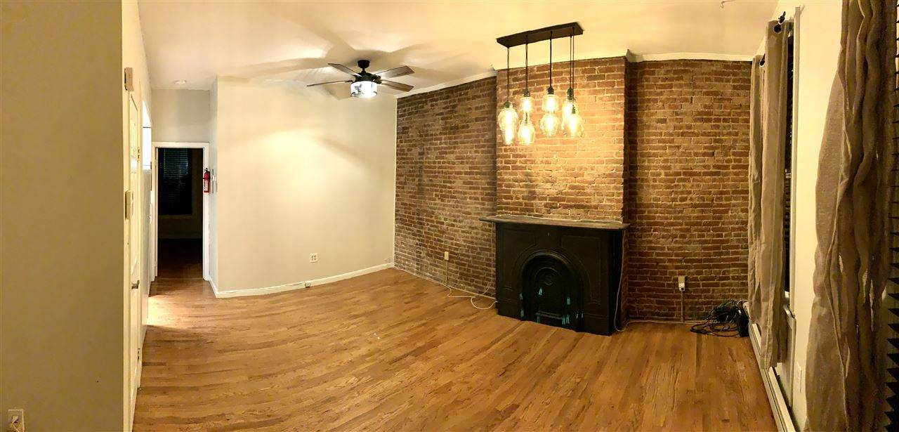 515 Willow Ave - Photo 1