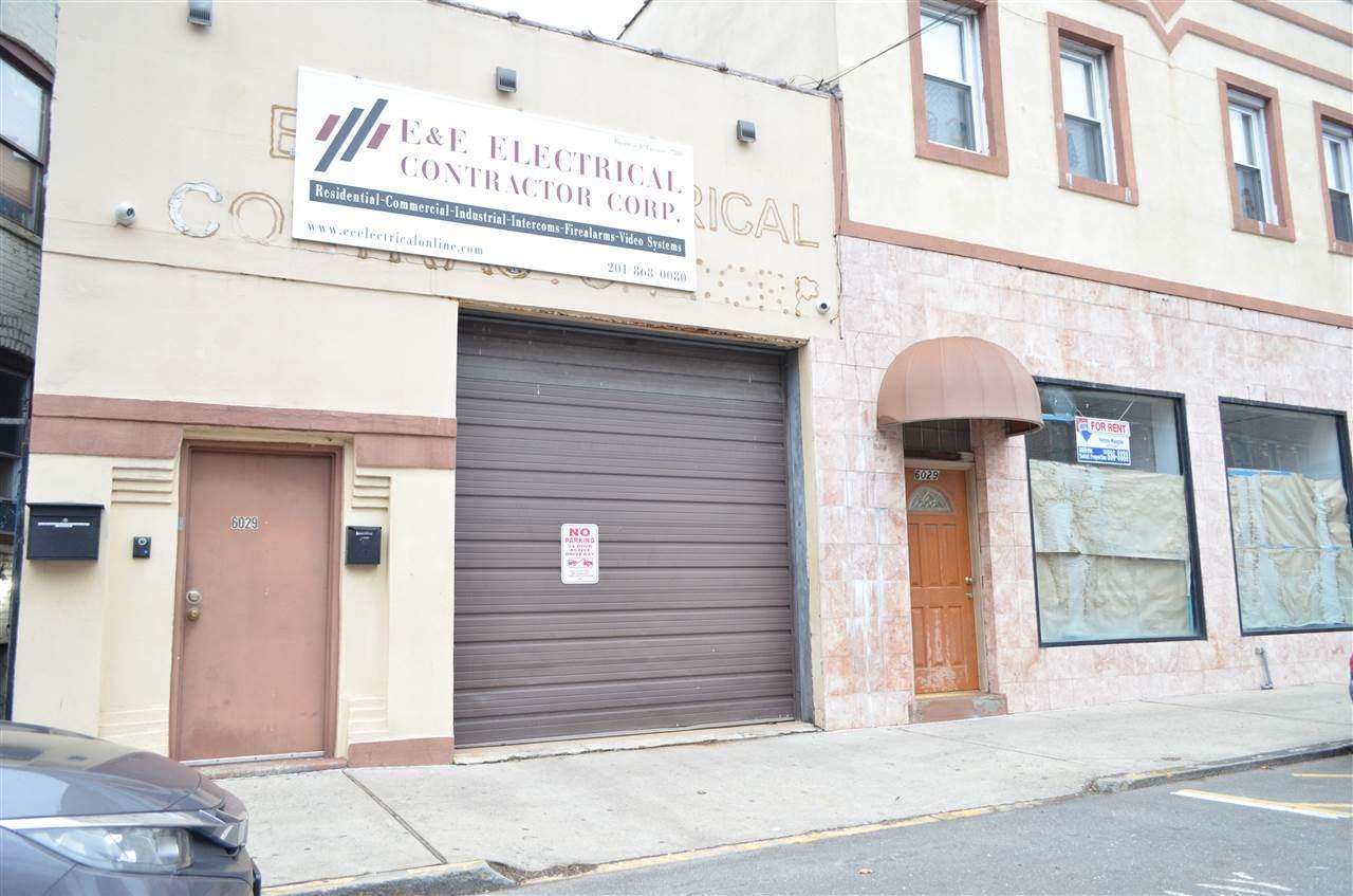 6029 Hudson Ave - Photo 1