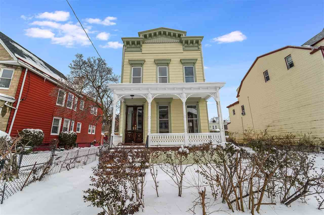 28 Pearsall Ave - Photo 1