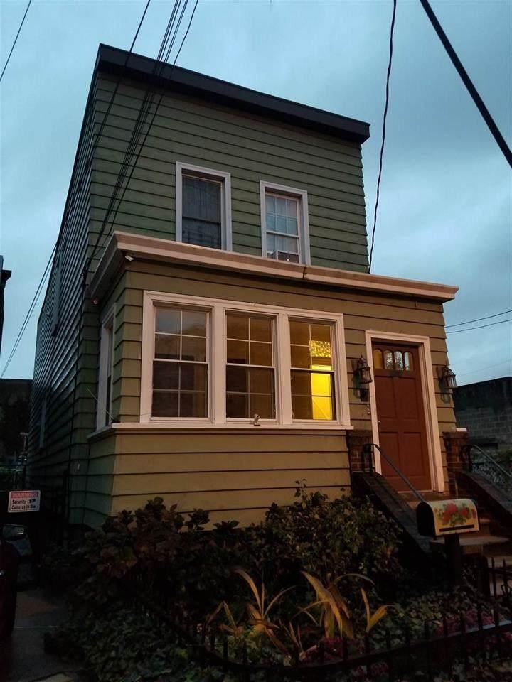 163 Glenwood Ave - Photo 1