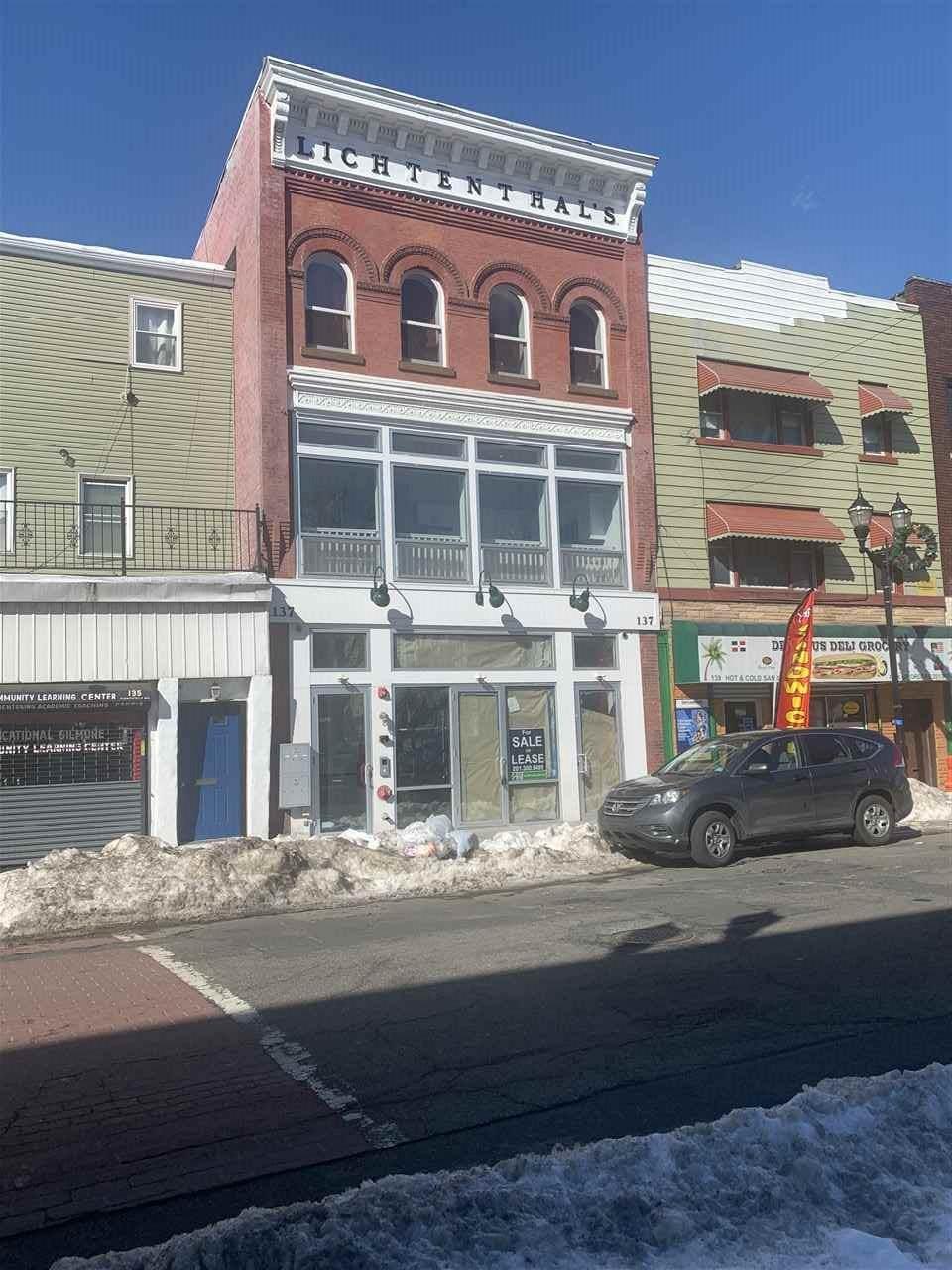137 Monticello Ave - Photo 1