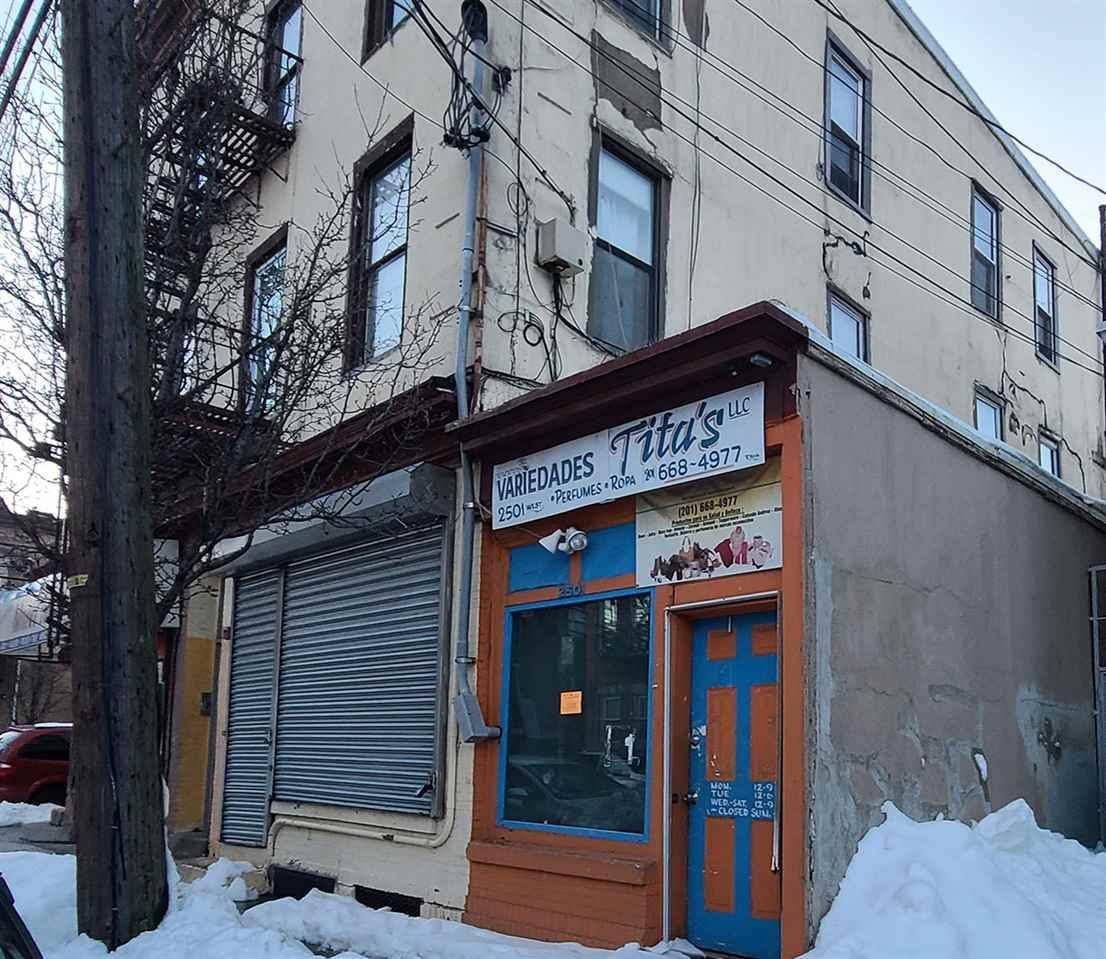 2501 West St - Photo 1