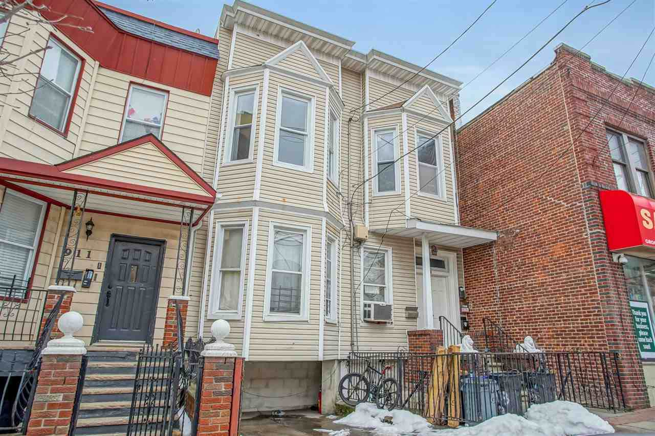 913 Central Ave - Photo 1